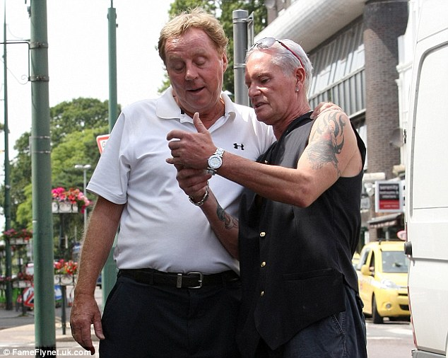 Talking telephone numbers: Redknapp and Gascoigne swap phone numbers