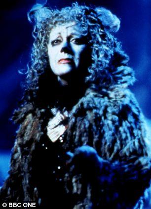 Memory: Elaine Paige as Grizabella