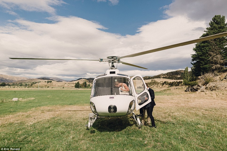 Melbourne based destination wedding photographer Eric Ronald, snapped the beautiful moments after joining the couple in the chopper along with their bridal party