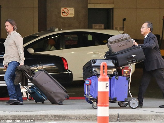 Even more: Besides his five suitcases Robert also had two trolley bags to take with him as well