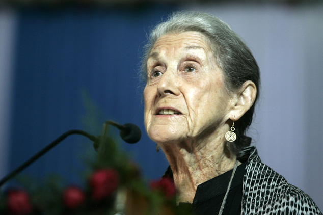 """FILE - In this Monday, Nov. 10, 2008 file photo South African writer and Nobel Literature laureate Nadine Gordimer, delivers a speech titled """"The Inward Test..."""