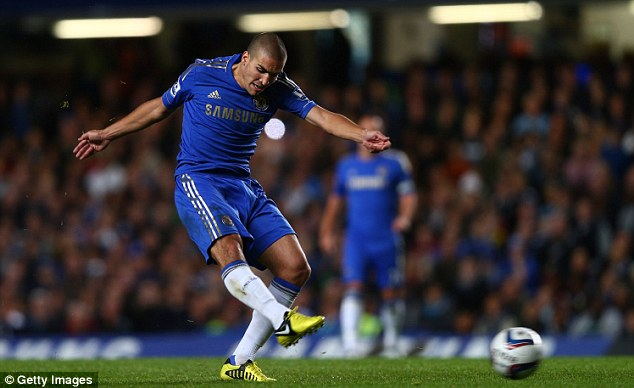 On form: Oriol Romeu looked a good capture for Chelsea before his injury in December 2012