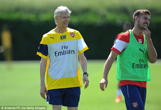 Top Gunns: Arsene Wenger (L) is determined to build a squad capable of challenging for the title