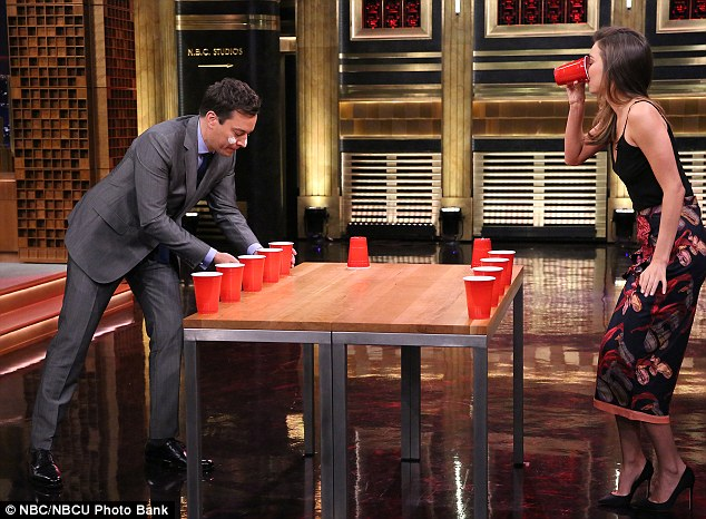 Flip cup: Orlando Bloom's ex plays flip-cup with TV host of The Tonight Show Starring Jimmy Fallon