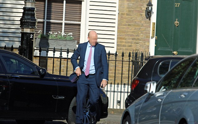 One minder, who had been waiting outside Foreign Secretary Philip Hammond's house, decided to take action after watching the woman's three-point turn deteriorate into a seven-point turn in the middle of the road