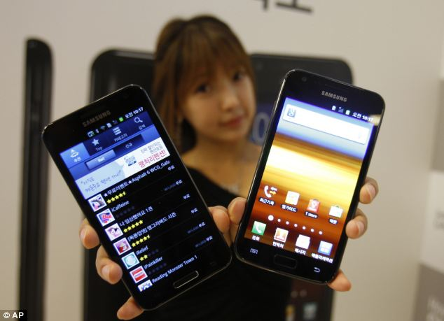 Millions of Android handsets are belied to be at risk as the flaw has been present since 2010