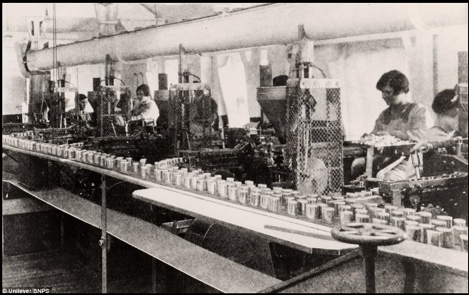 Staff packing in the company factory in the 1920s: In 1850 Jeremiah James moved the business to a much larger factory in Carrow in Norwich