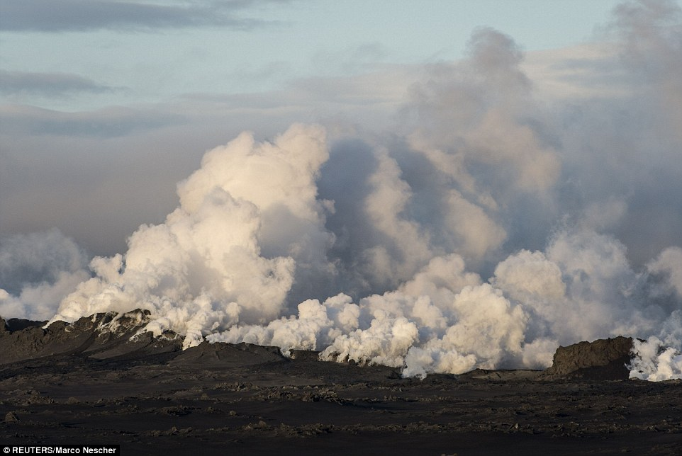 A fissure more than half a mile long has opened in a lava field north of the Vatnajokull glacier, which covers part of Bardarbunga volcano range