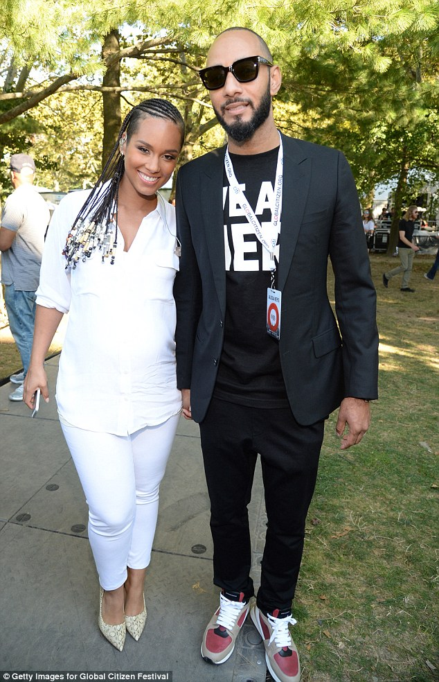 pregnant alicia keys performs at global citizen festival