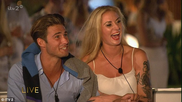 Love Island Final Sees Jessica Hayes And Cricketer Max