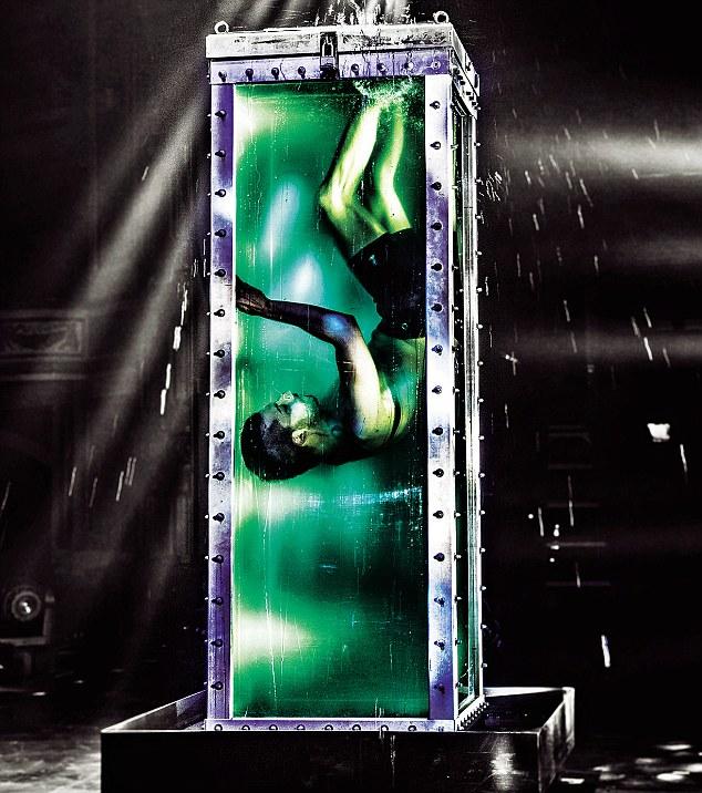 Water Tank Magic : The illusionists andrew brasso on his houdini escape