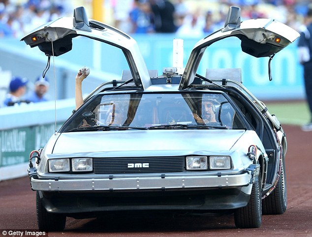 delorean to build 300 new replicas of 1982 model made famous in back to the future daily mail. Black Bedroom Furniture Sets. Home Design Ideas