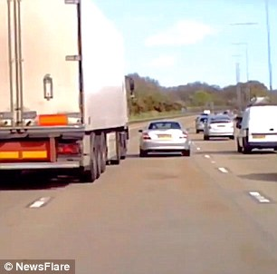 M25 dashcam footage shows lorry sidesweep a Mercedes ...