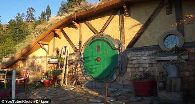 an analysis of the character of bilbo baggins in the novel the hobbit by jrr tolkien The hobbit jrr tolkien buy character analysis bilbo baggins bilbo baggins, the protagonist of the hobbit, is one of a race of creatures about half.