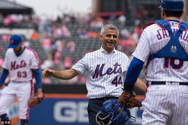 London Mayor Sadiq Khanpitched the first ball for the New York Mets on Sunday