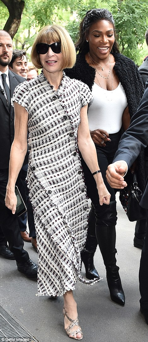 She's a shoe-in: Anna teamed her dress with a pair of open-toe snakeskin shoes