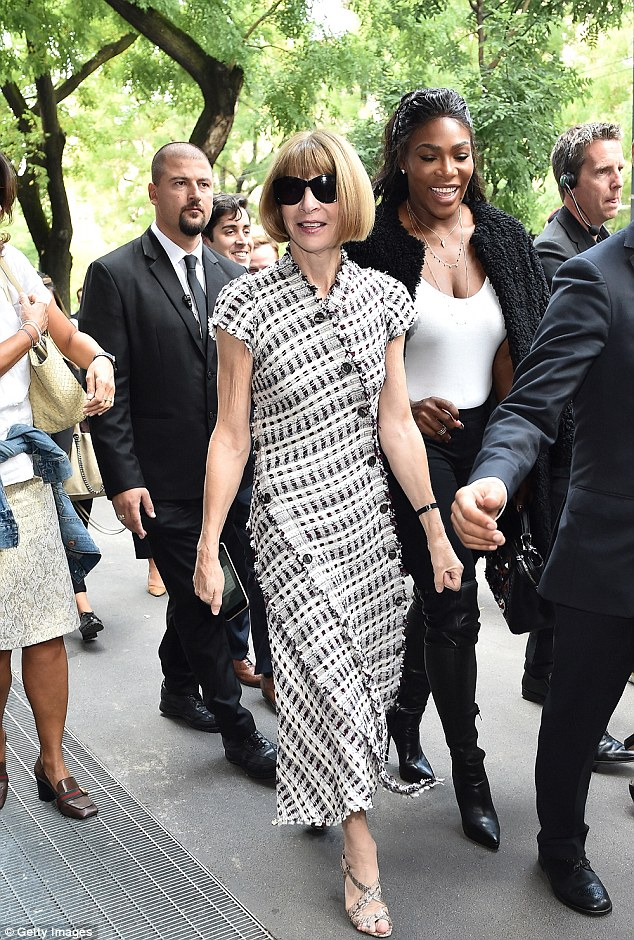 Style queen: American Vogue editor Anna looked typically stylish in a monochrome dress with snakeskin heels