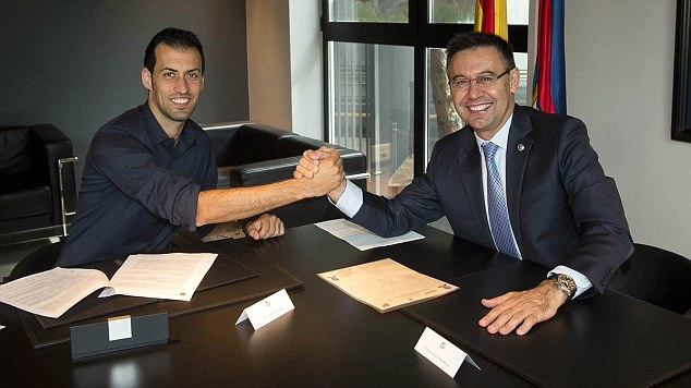 Sergio Busquets has signed a new Barcelona deal that will see him stay at the club until 2021