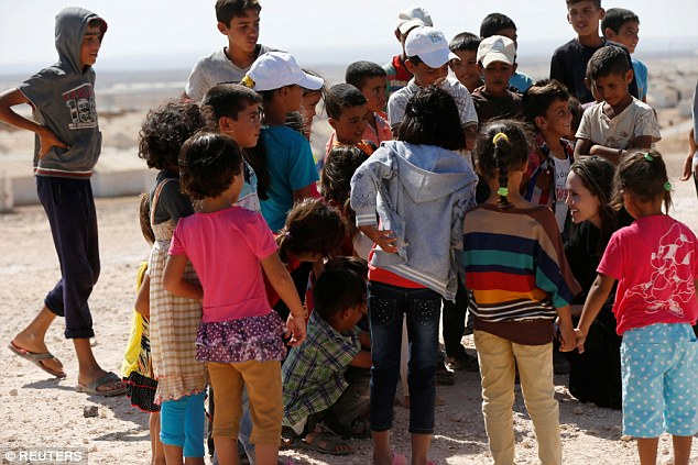 She welcomed the children: In North Jordan, the Salt actress was surrounded by over a dozen children