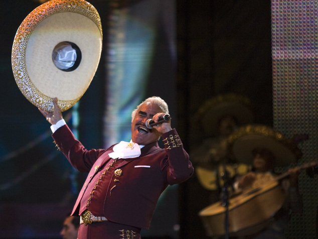 FILE - In this Feb. 14, 2009, file photo, singer Vicente Fernandez performs at a free concert during Valentine's Day in Mexico City's Zocalo. Fernandez has r...
