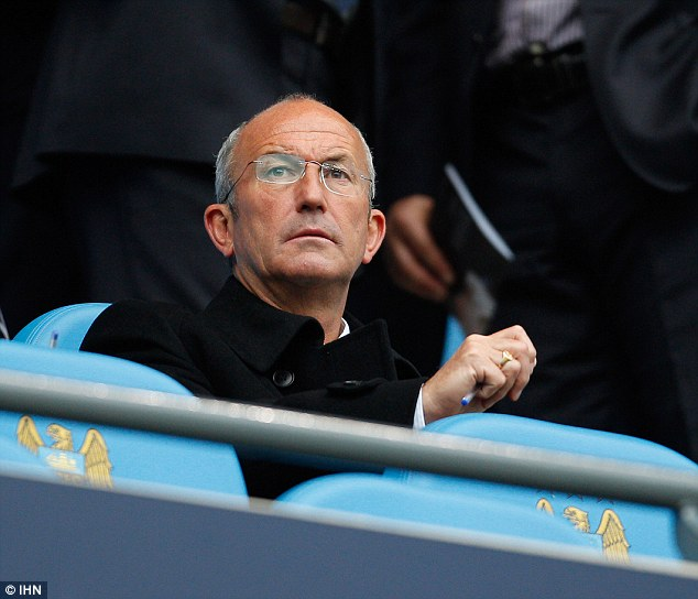 Pulis will become one of only 25 men to have reached the 1,000-match milestone
