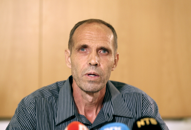 Released Norwegian hostage Kjartan Sekkingstad delivers his statement after arriving at Oslo airport Friday, Sept. 23, 2015. Sekkingstad was freed by his Abu...
