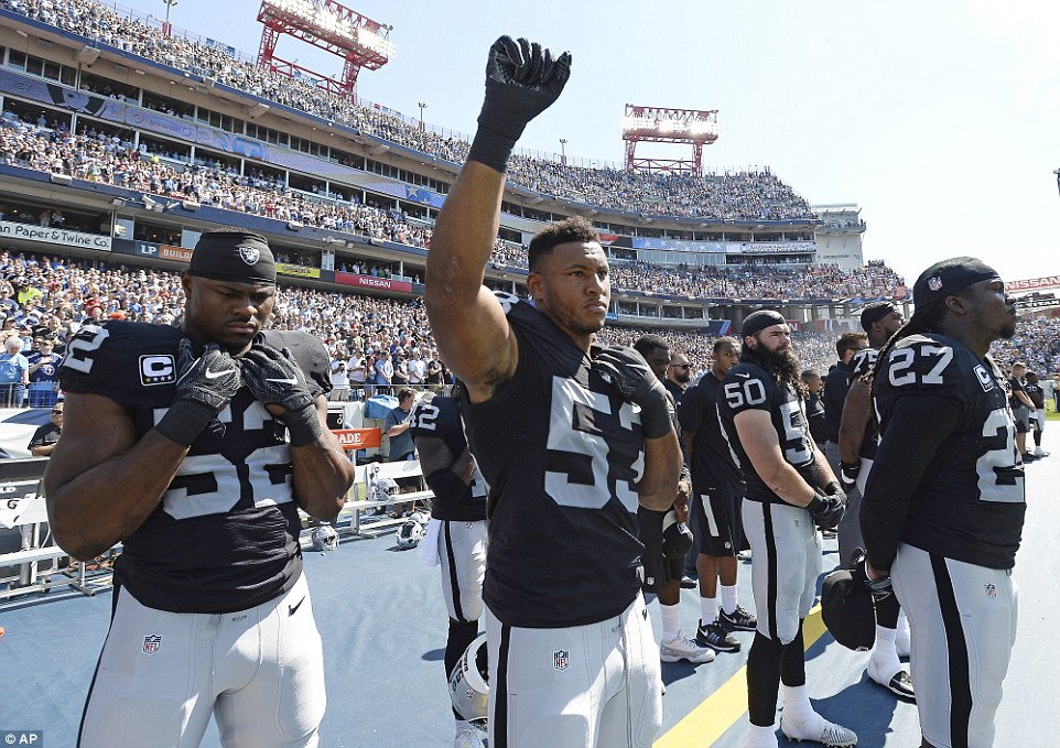More Than 40 Nfl Players Protest Before Games On Sunday