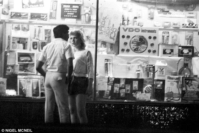 prostitutes online mature sex Melbourne