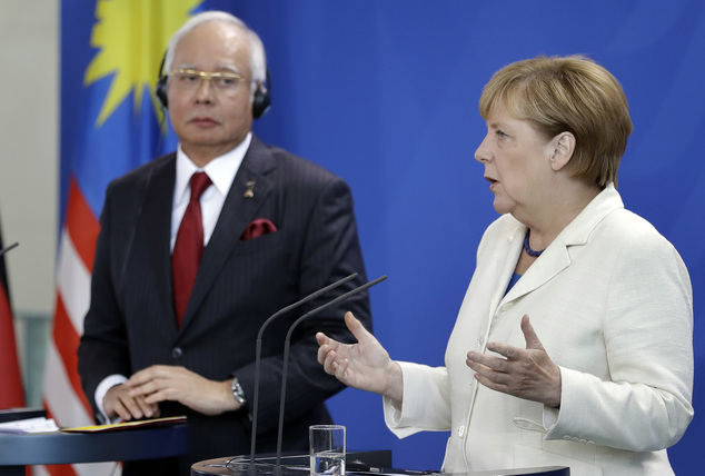 Malaysian pm committed to justice for downing of mh 17 - Prime minister office postal address ...